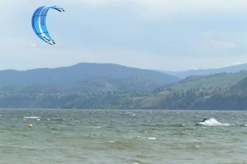 kitesailing-at-sudbury-beach-park